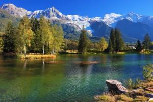 Il y à des lieux qui favorisent le don de voyance ! j'ai besoin des lacs, de la forêt, de la nature pour pour entrer en contact avec mes guides spirituel : ils m'accompagnent lors des consultations de voyance